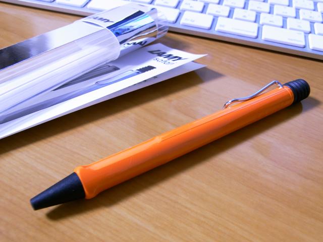 LAMY/ラミー 2009限定色 オレンジ サファリ 油性ボールペン 写真