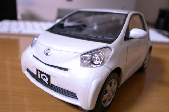 トヨタ iQのミニカーの写真